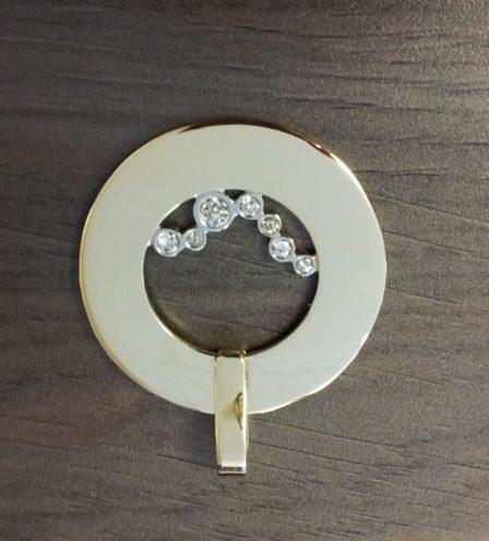Geelgouden hanger met diamant