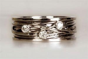 wit gouden draadring met diamant