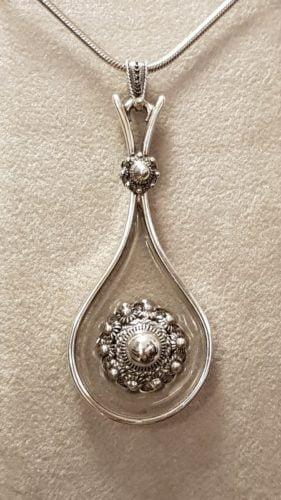 zeeuwse hanger zilver met knopen floating
